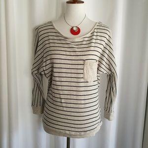 Roxy Cream & Blue Striped Sweater Size Medium